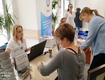 http://em.kielce.pl/miasto/za-darmo-zbadali-poziom-cukru-i-cisnienie-krwi-wyrobili-karte-ekuz-bez-kolejek